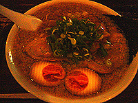 スズキヤスオ チャーシュー麺大盛り+味玉