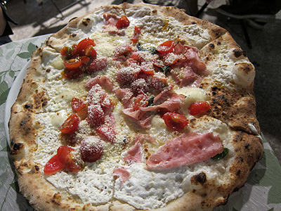Pizzeria e trattoria da ISA (ピッツエリア エ トラットリア ダ イーサ) ISOLANA