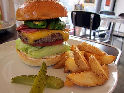 Reg-On Diner (レッグオンダイナー) ABCバーガー