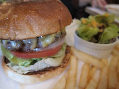 Burger Mania (バーガーマニア) クアトロチーズバーガー