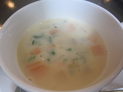 レストラン ムッシュヨースケ ジャガイモのクリームスープ