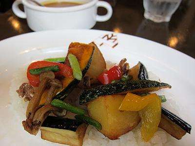 レストラン ムッシュヨースケ 野菜たっぷりベジタブルカレー