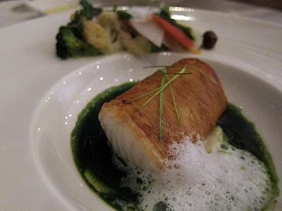 ベネッセハウス テラスレストラン (Benesse House Terrace Restaurant) 鰆のジャガイモ包み焼き