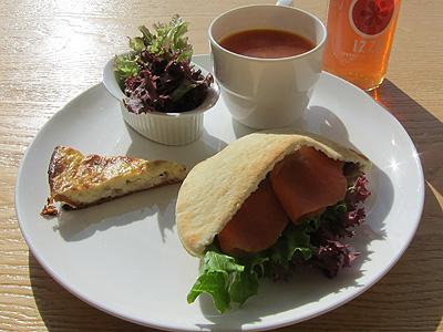 地中カフェ (チチュウカフェ) ランチセット