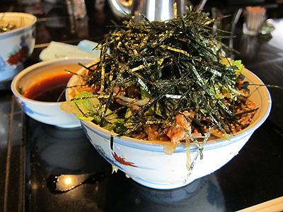 そば処港屋 (MINATOYA、みなとや) 冷たい肉そば大盛り