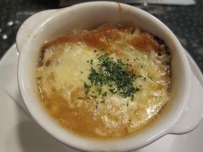 西洋料理杉山亭 (セイヨウリョウリスギヤマテイ) オニオングラタンスープ