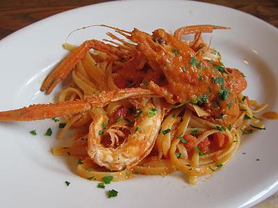 シチリア料理 ピスカリア (Piscaria) 赤座エビのトマトクリームソースのリングイネ