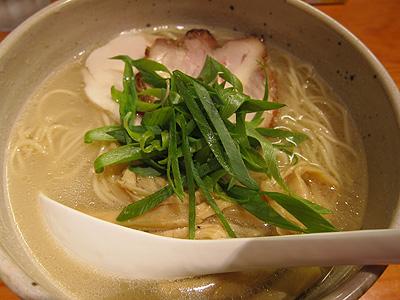 臥龍(がりゅう) 鶏チャーシュー麺