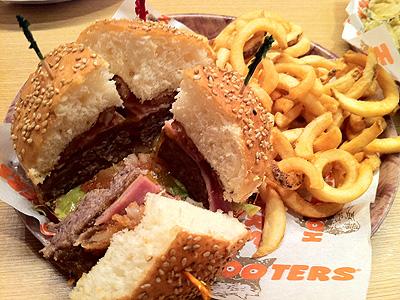 フーターズ 赤坂見附店 (HOOTERS) ハンバーガー